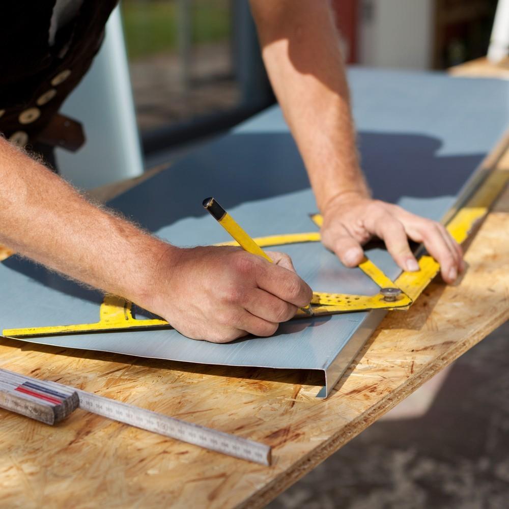 Monteur metalen daken en gevels